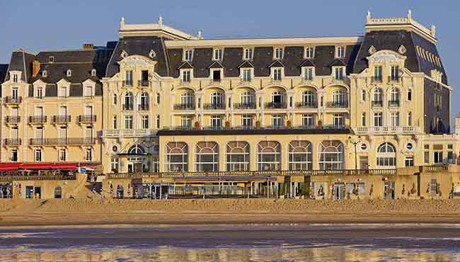 Le Grand Hôtel Cabourg - MGallery By Sofitel, Jardin du Casino, 14390 Cabourg, France.