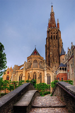 Church of Our Lady, Bruges. Photo: Wolfgang Staudt, https://www.flickr.com/photos/53074617@N00/2607884905.
