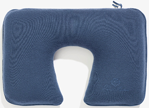 Loro Piana Plane Pillow: US$1.025.