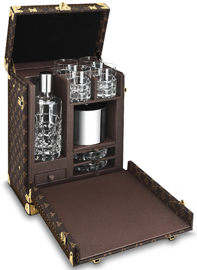 Louis Vuitton Whisky case PM (M21831): US$30,000.