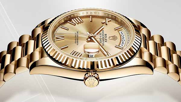 Click on the photo to check out TOP 1200 high-end WATCH BRANDS & makers for men & women.