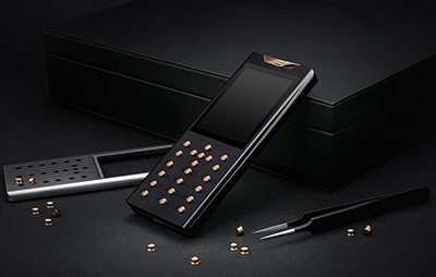 Gresso handcrafted smartphone.