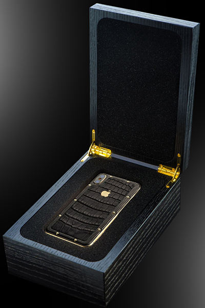 Stuart Hughes 18ct Gold iPhone Xs Night Edition: £6,495.