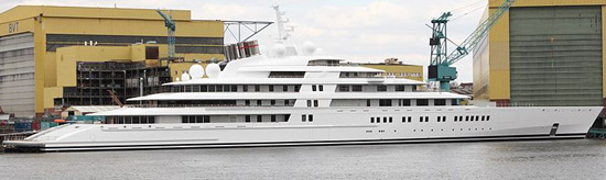 M/Y Azzam - world's largest yacht: 590 ft / 180 m / £400 mio. Launched on April, 5, 2013.