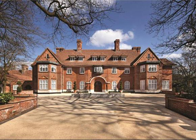 Heath Hall is located on the corner of The Bishops Avenue and Canon Close, Hampstead, London N2, England, U.K: £65 mio.