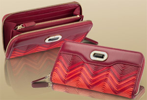 Bvlgari Women's Wallet: US$870.