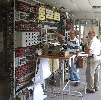 In 1994, a team led by Tony Sale (right) began a reconstruction of a Colossus at Bletchley Park. Here, in 2006, Sale supervises the breaking of an enciphered message with the completed machine.