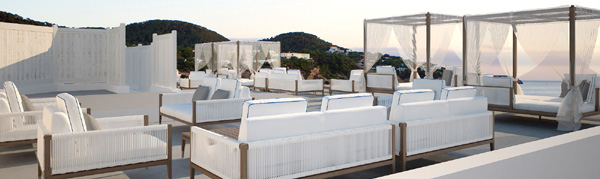Cotton Beach Club, Posta De Sol 21, Cala Tarida.