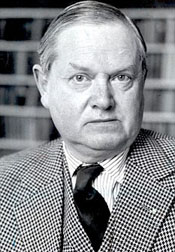Evelyn Waugh.