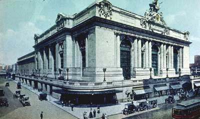 Grand Central Terminal (1913).