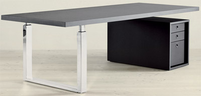 Gubi Go-Desk Master table top.