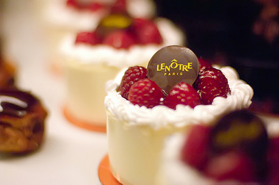 Lenôtre Patisserie, 44, rue d'Auteuil, 75016 Paris, France.