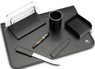 Marlen leather deskset.