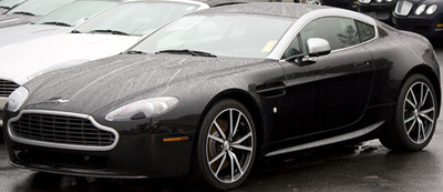 Aston Martin V8 Advantage N420 (2011).