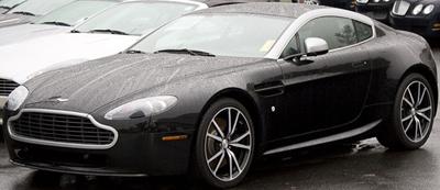 Aston Martin V8 Advantage N420 (2011).