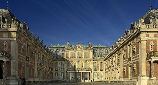Palace of Versailles (France) by Louis le Vau.