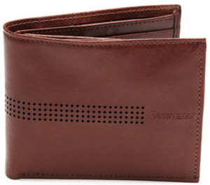 Perry Ellis Maryland Passcase: US$19.99.