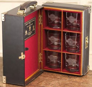 Purdey oak framed, leather covered portable small drinks cabinet: £4,550.
