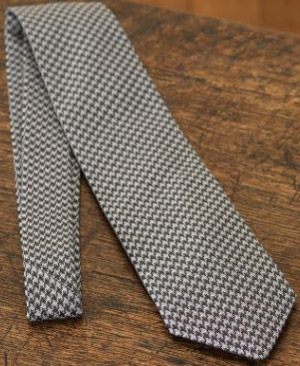 Purdey Gun Check Escorial Wool / Silk Woven Tie: £110.