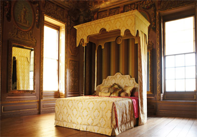 Royal State Bed.