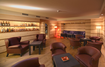 The smoking lounge at Hotel Bernerhof, Bahnhofstrasse 2.