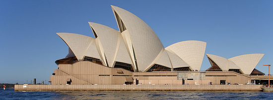 Sydney Opera House (Australia) by Danish architect Jørn Utzon (1973).