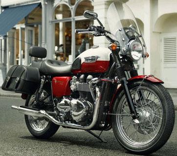 Triumph Classics Bonneville T100 motorcycle.