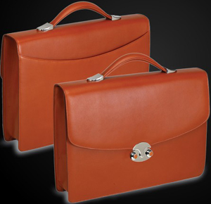 Underwood Single compartment briefcase with rear open pocket.