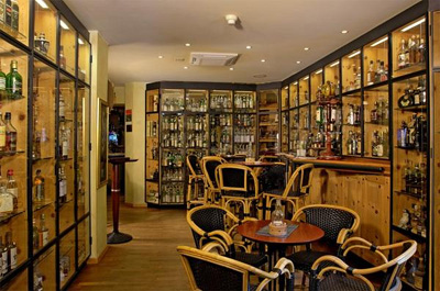 Devil's Place Whisky-Bar at Hotel Waldhaus am See, Via Dim Lej 6, 7500 St.Moritz.