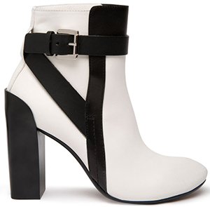 CoSTUME NATIONAL women's Leather ankle boot.