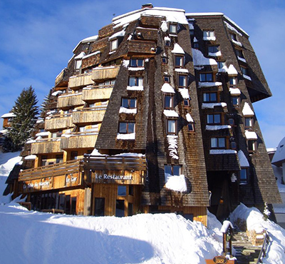 Hôtel des Dromonts, 40 Place des Dromonts, 74110 Avoriaz, France.