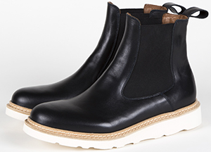 Diemme Verona is a super-lightweight Chelsea women's boot.