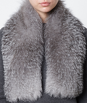 Inverni Knitted Cashmere Fox Fur Scarf: €900.