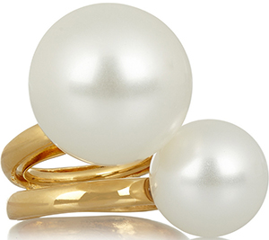 Kenneth Jay Lane Gold-plated faux pearl ring: €100.