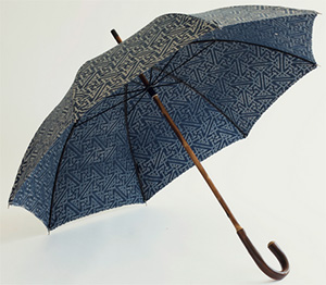 Fortuny Umbrella. Width: 39 in / 99 cm Height: 36 in / 92 cm. Made in Italy with Fortuny fabrics.