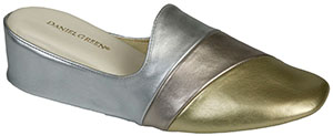 Daniel Green Denise Women's Slipper: US$44.