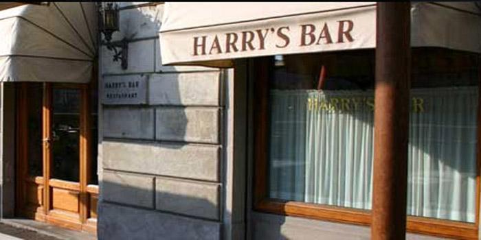 Harry's Bar Firenze, Lungarno Amerigo Vespucci, 22, 50123 Florence, Italy.