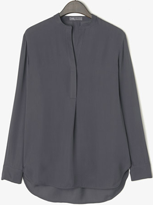 Vince Silk Half Placket Long Sleeve Women's Tunic: US$295.