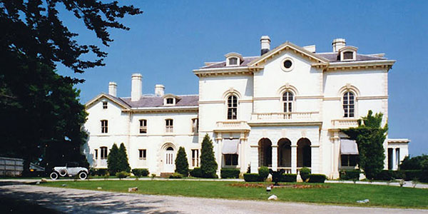 Beechwood (Astor mansion), 580 Bellevue Avenue, Newport, RI 02840.
