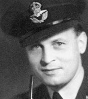 Wing Commander Forest Frederick Edward 'Tommy' Yeo-Thomas (1902-1964).