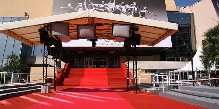Red carpet of the <i>Palais des Festivals et des Congrès</i> during the Cannes Film Festival 2007.