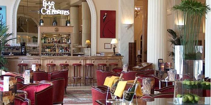 Bar des Célébrités | Carlton Bar at Carlton Cannes, 58 La Croisette, 06414 Cannes, France.