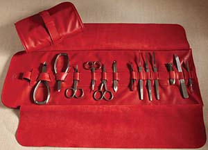 Cedes Milano Large roll on manicure set.