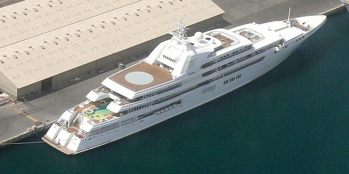 Dubai - the world's third largest yacht: 525 ft / 160 m / US$350 mio.