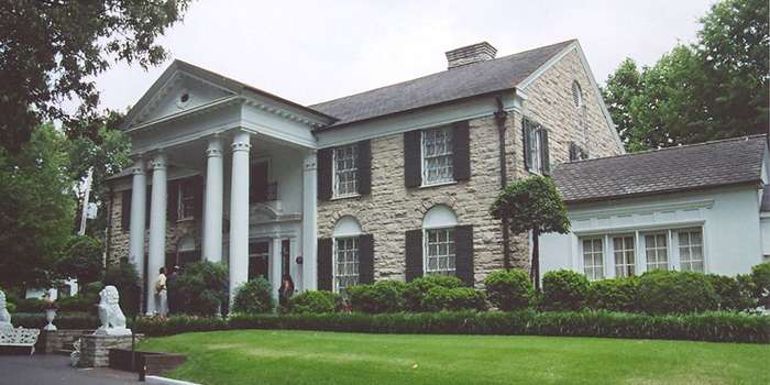 Graceland, 3734 Elvis Presley Boulevard (Highway 51 South), Memphis, TN 38116, U.S.A.
