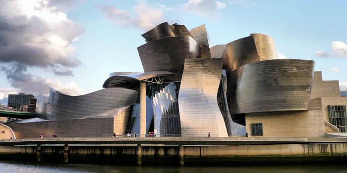 Guggenheim Museum Bilbao, Avenida Abandoibarra 2, Bilbao 48001, Spain.