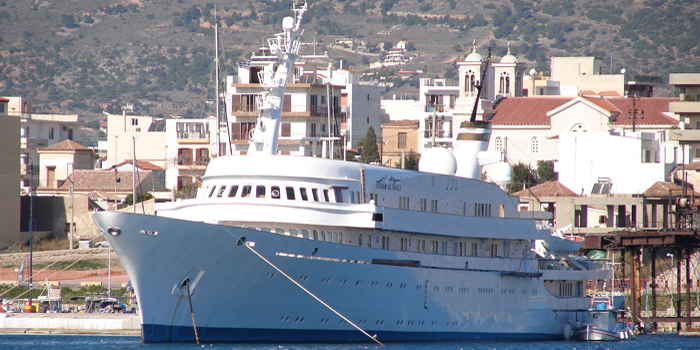 Issham Al Baher - the world's 19th largest yacht: 380 ft / 116 m.
