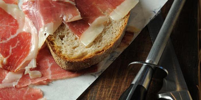 Jamón Ibérico Ham (Pata Negra).