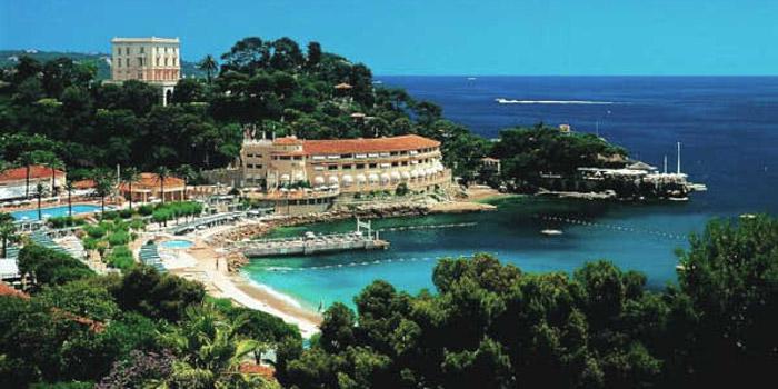 Monte-Carlo Beach Club.