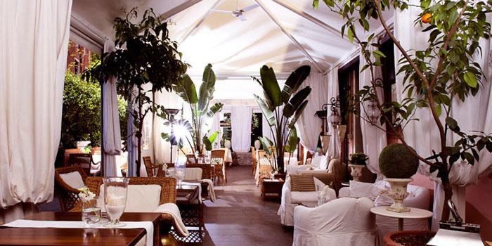Oriental Bar at Metropole Hotel, Riva Degli Schiavoni 4149, 30122 Venice, Italy.